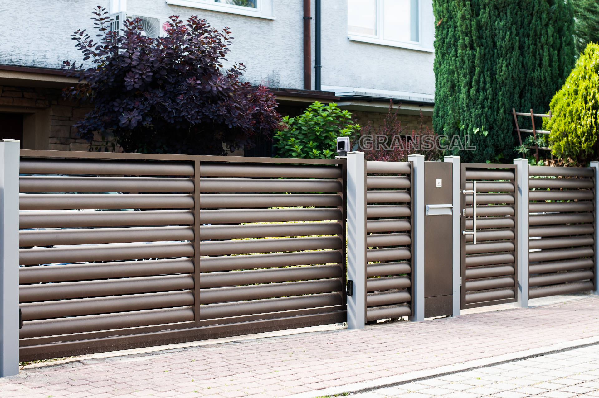nowoczesne aluminiowe ogrodzenie